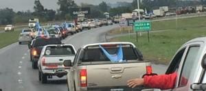 marcha-productores-camionetas-490